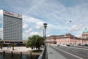 Blick auf Schloss und Mercure-Hotel