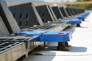 Dass es auch ohne Durchdringung geht, zeigt diese durchdringungsfreie Montage des Photovoltaik-systems Solfixx