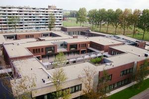 """Der Wohnkomplex """"De Hogeweyk"""" ist ein geschlossenes System, in dem es für die demenzkranken Bewohner größtmögliche Freiheiten gibt<br />"""