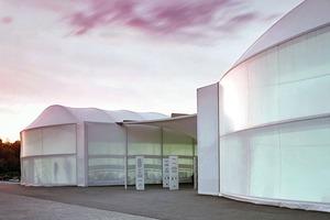 Halle als Aufenthaltsraum auf Tempelhofer Feld, Berlin (Gorenflos Architekten GvAmbH, Berlin / Planung.Freiraum, Berlin, und Juliane Bailly)