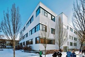Für die Sanierung dieser Schule in Kassel wählten Fachplaner und Architekt eine dezentrale Lüftung – mit minimierten Geräuschemissionen