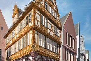 """Zurück in eine virtuelle Geschichte: Neubau (Reimann Arch.) und Rekonstrukt """"Goldene Waage"""""""