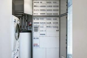 Im Hauswirtschaftsraum neben dem Schlafzimmer sind auch Waschmaschine und Trockner untergebracht<br />