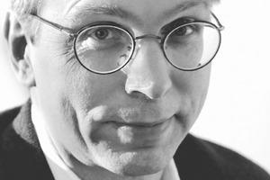 """<div class=""""autor_linie""""></div><div class=""""dachzeile"""">Autor</div><div class=""""autor_linie""""></div><div class=""""fliesstext_vita""""><span class=""""ueberschrift_hervorgehoben"""">Enrico Santifaller M.A. </span><br />Studium der Geschichte und Soziologie; Redakteur der Frankfurter Neuen Presse und der Offenbach Post. Online-Redakteur der Deutschen Bauzeitschrift DBZ. Seit 1994 freier Architekturjournalist und Autor. 2000 als außerordentliches Mitglied in den Bund BDA aufgenommen. 2005 mit dem DAI-Literaturpreis Baukultur ausgezeichnet. Seit 2008 Vorstandsmitglied der BDA Gruppe Frankfurt. Seit Mitte 2011 berät Santifaller das Ingenieurbüro Bollinger + Grohmann in Sachen Unternehmenskommunikation.</div><div class=""""autor_linie""""></div><div class=""""fliesstext_vita"""">Informationen: <span class=""""ueberschrift_hervorgehoben"""">www.bollinger-grohmann.de</span></div>"""