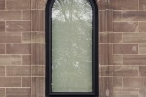 Historisches Fenster, dezent erneuert