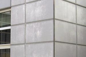 Bild 1: Teilansicht der Fassade aus Stahlbetonfertigteilen