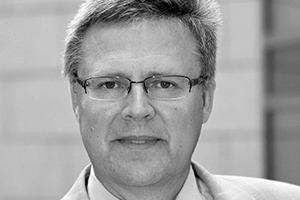 """<div class=""""autor_linie""""></div><div class=""""dachzeile"""">Autor</div><div class=""""autor_linie""""></div><div class=""""fliesstext_vita""""><span class=""""2.3 Fliesstext Vorspann"""">Dr. Jürgen Waldorf</span><br />Der promovierte Physiker </div><div class=""""fliesstext_vita"""">ist Geschäftsführer des </div><div class=""""fliesstext_vita"""">Fachverbands Licht im ZVEI, </div><div class=""""fliesstext_vita"""">der Brancheninitiative licht.de </div><div class=""""fliesstext_vita"""">und AG DALI</div>"""