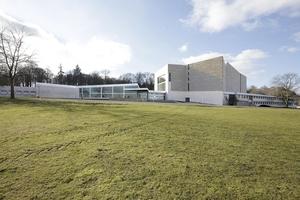 Scharoun-Theater auf dem Klieversberg in Wolfburg nach der Modernisierung