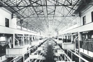 Highland Park, Blick in die Kranhalle, 1916, Arnold, H. L. & Faurote, F. L., Fords Methods, New York 1919