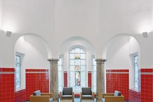 Der historische Kuppelsaal der alten Sauna konnte in seiner Anmutung wiederhergestellt werden (heute Lounge)