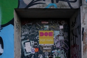 Design? Dahinter? Eingang DQE-Halle, Desgin Quartier Ehrenfeld
