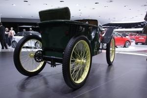 Baujahr 1919: ein erstes Elektroauto, schöner Fremdkörper in einer ps-orientierten automobilen Welt.