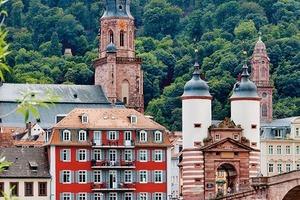 Kategorie Historische Gebäude und Stilfassaden<br />1. Preis: Obere Neckarstr. 1, 69117 Heidelberg
