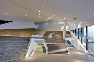"""Im Erdgeschoss befinden sich drei kleinere Filmtheater, Büroräumlichkeiten, die Kantine für die Angestellten und das """"Basement""""<br />"""