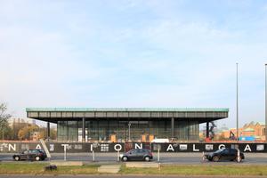 Die Neue Nationalgalerie im aktuellen Baustellenkleid