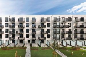 """Das Wohn- und Geschäftsquartier """"Winterhude 22303"""" befindet sich im nördlichen Zentrumsbereich Hamburgs, mitten in Winterhude zwischen Alster und Stadtpark. Das erste von zwei Baufeldern (Baufeld A) ist fertiggestellt und schließt im Osten die 100m lange Baulücke entlang der Barmbeker Straße"""