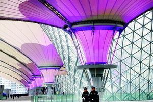 Blick in die zentrale Erschließung, die ExpoAchse, made in Germany