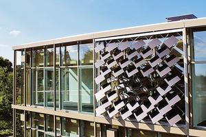 Das Institut Technologie der Architektur der ETH Zürich brachte 50 bewegliche Solarmodule auf der Gebäudehülle auf