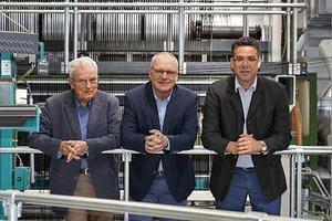 Team 1, und Gewinnerteam der TU Dresden (v.l.): Prof. Dr.-Ing. habil. Peter Offermann, Prof. Dr.-Ing. Manfred Curbach, Prof. Dr.-Ing. habil. Dipl.-Wirt. Ing. Chokri Cherif