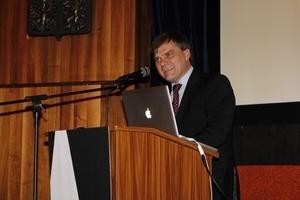 Dr. Rudolf Jindrák, Botschafter der Tschechischen Republik, begrüßte die Kongressteilnehmer mit einer launigen Ansprache
