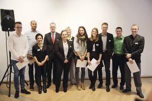 Gewinnerteams mit Curt Brüning, LBS (4. v. l.), Gabriele Richter, stellvertr. Landesvorsitzende des BDB.NRW, Ernst Uhing, Präsident der AKNW und Vorstandsmitglied des BDB.NRW