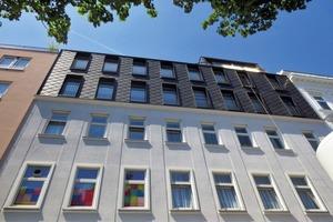 Abb.2: Gebäudeaufstockung mit Stahl-Leichtbaufassade in Wien <br />(Architekt Stefan Goos)