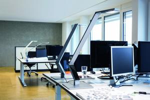 Durable, Hersteller von hochwertigen Büroartikeln, hat sich in den Leuchtenmarkt gewagt.  Auf der Orgatec stellte er das Leuchtensystem LUCTRA® vor. Zwei Versionen von Steh- und Tischleuchten mit Beleuchtungsstärken bis zu 1000 lx, mit warm- und kaltweißen LEDs ausgestattet, sind mit einer intelligenten Elektronik über Touch-Screen auf die individuellen Bedürfnisse einstell- und abrufbar. Alle Modelle sind mit rechteckigem oder rundem Leuchtenkopf verfügbar.  www.durable.de