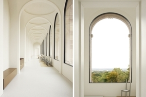 Die Loggia im OG mit fast rahmenlosen Fenstern, Blick auf die Karlsaue