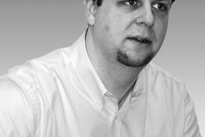 """<div class=""""autor_linie""""></div><div class=""""dachzeile"""">Autor</div><div class=""""autor_linie""""></div><div class=""""autor_linie""""><span class=""""ueberschrift_hervorgehoben"""">Dipl.-Ing. (FH) Guido Broda</span> ist Versorgungstechnik-Ingenieur und gelernter Groß- und Außenhandelskaufmann. Sein spezielles Fachgebiet ist die Technische Gebäudeausrüstung. Bei Colt International betreut er das Produktmanagement im Bereich Heizung, Lüftung und Klimatechnik (HVAC). Als Berater sammelte er Erfahrungen in der Konzeption und Realisierung innovativer TGA-Systeme in Europa und in den USA.<br /></div><div class=""""fliesstext_vita"""">Informationen: <a href=""""http://www.colt-info.de"""" target=""""_blank"""">www.colt-info.de</a></div>"""