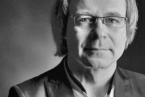 """<div class=""""fliesstext_vita""""><strong>Matthias Gorenflos</strong></div><div class=""""fliesstext_vita""""><br />1964 geboren in Bangkok/TH<br />1985-1991 Architekturstudium in </div><div class=""""fliesstext_vita"""">Karlsruhe und Berlin Mitarbeit in diversen Architekturbüros<br />1998 Gründung des eigenen Büros Gorenflos Architekten<br />Schwerpunkt seiner Tätigkeit ist der Wohnungsbau</div>"""