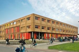 Die Baukosten betragen bei etwa 4000 m² Nutzfläche der Schule viereinhalb Millionen Euro – mit 1150 € pro m² kaum weniger als der günstigste soziale Wohnungsbau<br />