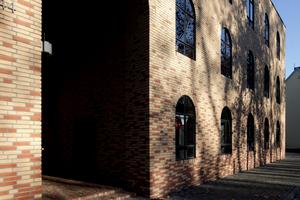 Ziegelkunst: Studentenwohnheim ROM.HOF, Bonn (Uwe Schröder Architekten, Bonn)