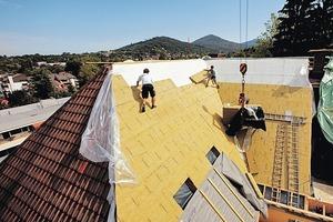 Die Dämmung auf den Sparren erleichtert die zeitgemäße Aufrüstung von Dächern mit komplexen Geometrien<br />