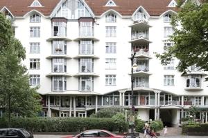 Horizontale Schichtung (Kita, Cafè, Wohnen) an der Schlossstraße