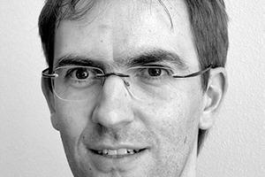 """<div class=""""fliesstext_vita""""><strong>Dipl.-Ing. Jochen Freivogel (1972)</strong><span class=""""ueberschrift_hervorgehoben""""></span></div><div class=""""fliesstext_vita""""></div><div class=""""fliesstext_vita"""">Der Freie Architekt machte zunächst eine Hochbauzeichnerlehre und studierte danach Architektur erst an der FH Karlsruhe und dann an der Universität Stuttgart..</div><div class=""""fliesstext_vita"""">1988-1997Mitarbeiter in mehreren Architekturbüros 1997-1999Partner im Architekturbüro<br />Prof. Dr. Fritz Walch &amp; Partner Karlsruhe seit 1999eigenes Architekturbüro in Pforzheim seit 2002eigenes Architekturbüro in Ludwigsburg 1998-2004Lehrtätigkeit an der FH Karlsruhe / Universität<br />Stuttgart</div>"""