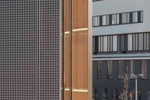 Shadovoltaik: Das Sonnenschutz-system mit Photovoltaik bietet Beschattung, Wärmeschutz und Energiegewinnung in Einem