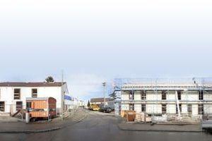 Pfuhler Straße 4-14. o5 Architekten bearbeiten die Zeile rechts im Bild