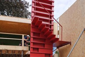 Montage des Treppenfertigteils<br />