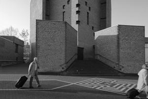 Abteikirche mit Weiterbauten ringsum ... Auch das kann Zukunft sein