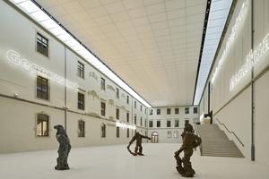 Albertinum, Lichthof mit Skulpturen von Stella Hamberg