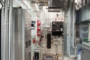 Der Energiekern liegt an der Schaufensterseite und beherbergt Haustechnik, Heizung und Lüftung<br />