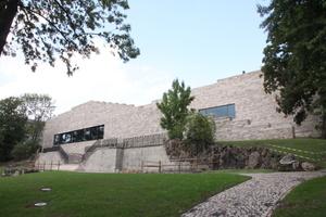 Das Museum ist in die Landschaft eingebettet