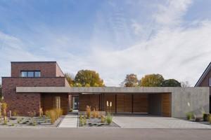 Klinker plus Betonrahmen – Wohnhaus CS in Friedrichsfehn von hartmann eberlei architekten aus Oldenburg