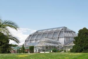Als Symbol des Maschinenzeitalters und der ersten Stahlkonstruktionen steht das Tropenhaus im Botanischen Garten, Berlin, heute unter Denkmalschutz<br />