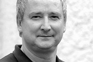 """<div class=""""fliesstext_vita""""><strong>Christian Decker</strong></div><div class=""""fliesstext_vita""""><br />1964geboren in Lippstadt<br />Architekturstudium an der FH Lippe/Detmold<br />1993-1998Mitarbeit im Büro Prof. Dr. Enno Schneider, Detmold<br />1998-2000selbstständig in Lippstadt<br />seit 2000Partnerschaft mit André </div><div class=""""fliesstext_vita"""">Habermann<br />seit 2010Lehrauftrag für Baukonstruktion an der HS OWL</div><div class=""""fliesstext_vita""""></div><div class=""""fliesstext_vita""""></div><div class=""""fliesstext_vita""""><strong>André Habermann</strong></div><div class=""""fliesstext_vita""""><br />1969geboren in Borgholzhausen<br />Architekturstudium an der FH Lippe/Detmold und der Universität Kassel<br />1993-1996Mitarbeit im Büro Prof. Dr. Enno Schneider, Detmold<br />1997-1998Mitarbeit im Büro Hascher + Jehle, Berlin<br />seit 2000Partnerschaft mit Christian Decker<br />seit 2007Professur für Entwerfen und Gebäudelehre </div><div class=""""fliesstext_vita"""">an der HS Bochum</div>"""