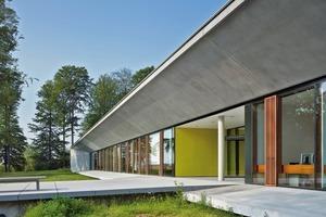 Das fußballfeldgroße Gebäude besteht zu zwei Dritteln aus Prozesstechnik und meterdicken Betonwänden