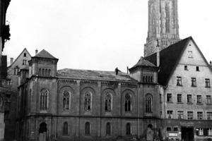 In der Reichspogromnacht 1938 wurde die Syagoge beschädigt, später abgebrochen