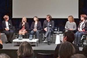 Podiumsdiskussion in Hannover, u.a. mit Verena Bentele, Beauftragte der Bundesregierung für die Belange von Menschen mit Behinderungen (mit Mikro)