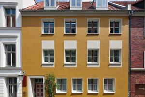 1. Preis Kategorie Historische Gebäude und Stilfassaden: Wohnhaus Kleinschmiedstraße 18, Stralsund