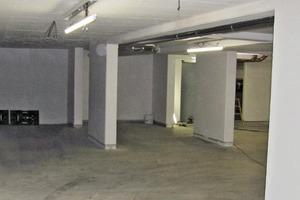 Bild1: Blick von der Ein-/Ausfahrt in die Tiefgarage